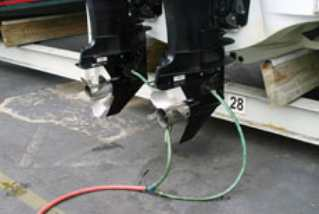 Промывка лодочного мотора после морской воды